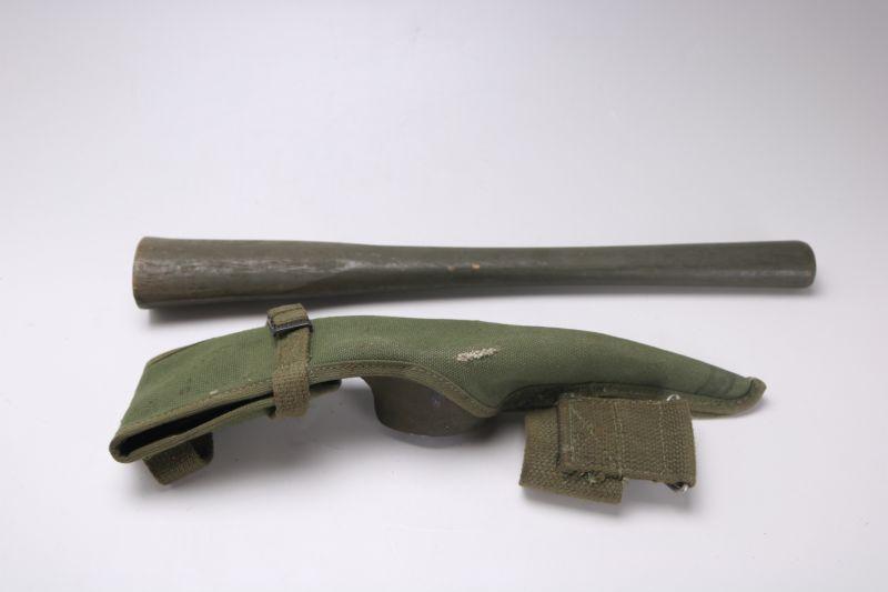 画像1: USアーミー ピッケル 米軍 斧 1945 (1)
